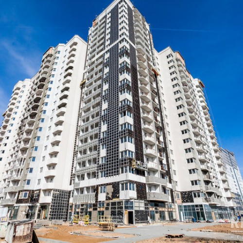 «Айрон» предложил квартиры в доме в Лебяжьем. Цена кв. м «трешек» — $ 1200